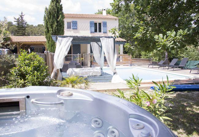 Villa à Fuveau - VILLA FAMILIALE AVEC PISCINE ET JACUZZI A FUVEAU