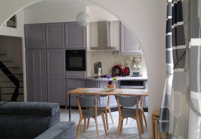 Appartement à Aix-en-Provence - T2 rénové dans ancien hôtel particulier OT402843