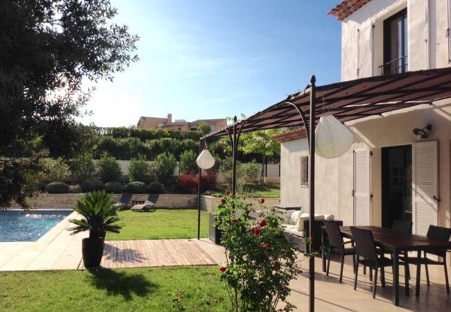 Villa à Aix-en-Provence - VILLA MODERNE A AIX EN PROVENCE